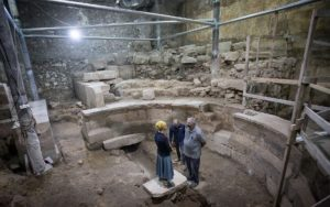 Massive section of Western Wall and Roman theater uncovered after 1,700 years