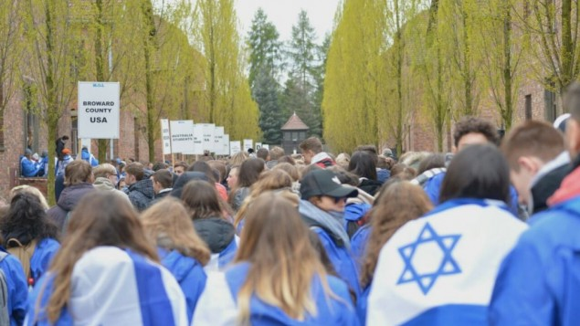 10,000 youths mark Holocaust Remembrance Day at Auschwitz